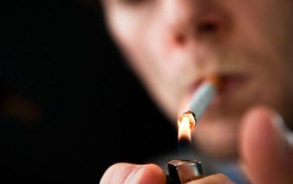 Fumar tabaco no quita el hambre ni ayuda a adelgazar