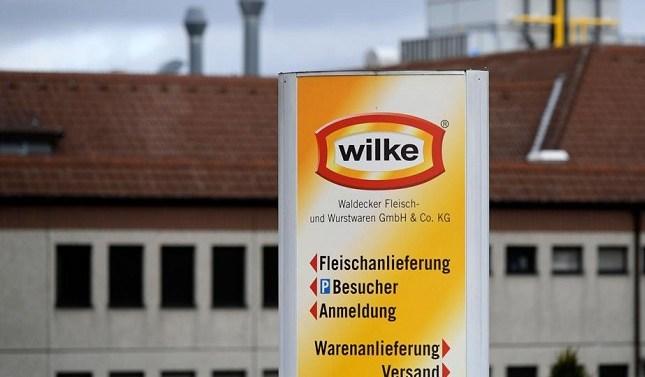 Retiran salchichas alemanas del mercado por posible presencia de listeria