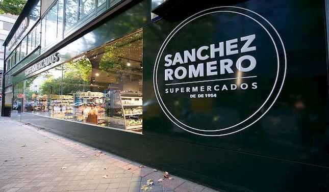 Sánchez Romero abre nuevo supermercado estrenando el modelo 'Premium 360'