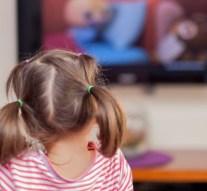 Los anuncios de alimentos que ven los niños son de comida chatarra