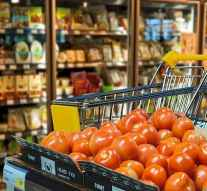 Los españoles gastaron un 2,4% más en la cesta de la compra