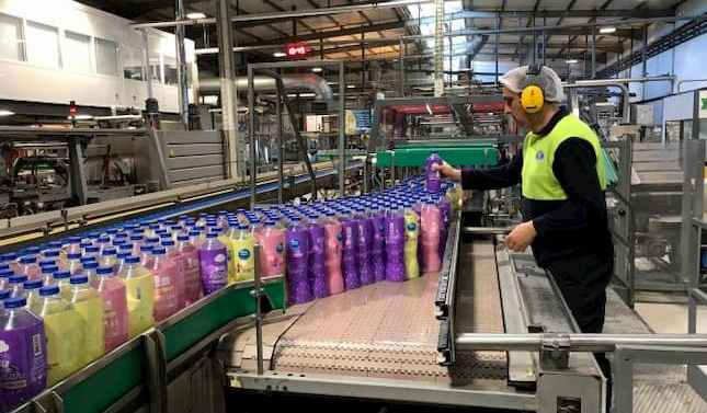 Nestlé refuerza su compromiso de reducir el uso de plásticos vírgenes para 2025