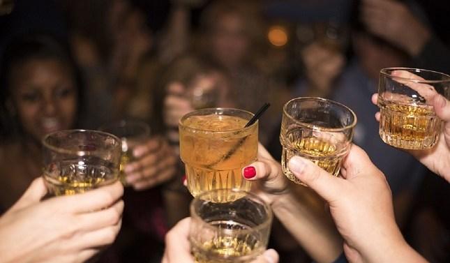 Drunkorexia, la peligrosa moda alimenticia que ha dejado el verano