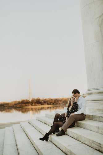 Photograph on the National Mall by Shelly Pate Photography | Engagement Session