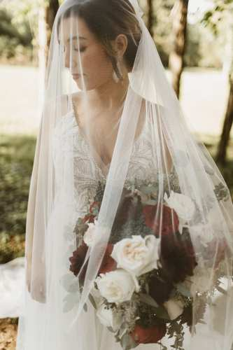 Wedding Veil | Bride photographed by Shelly Pate Photography