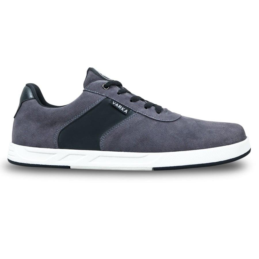 Sepatu Sneakers Pria Terbaru V 4246