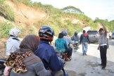 Dirlantas Polda Aceh mengatur kelancaran lalu lintas pasca gempa