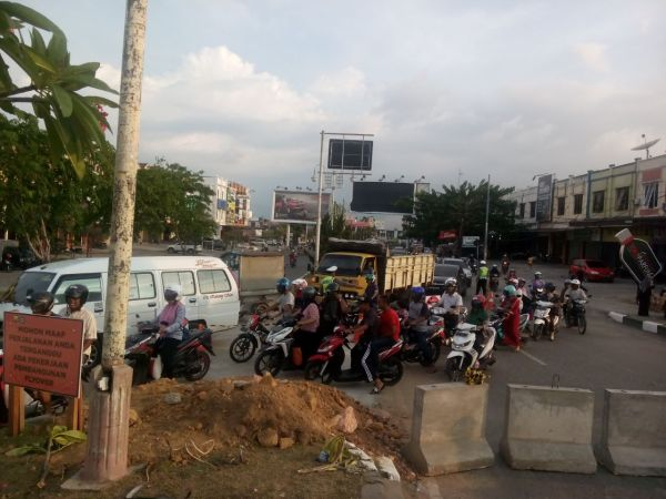 160420_bandaaceh_kemacetan-underpass-beurawe