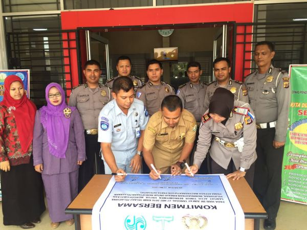 160527_acehtimur_Penandatanganan-Pakta-Integritas-SAMSAT-Aceh-Timur