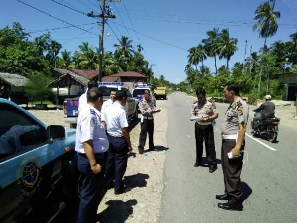 160601_acehselatan_Pengecekan-Jalur-Mudik-Lintas-Aceh-Selatan_1