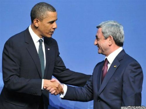 U.S. -- President Barack Obama (L) greets his Armenian counterpart Serzh Sarkisian at the Nuclear Security Summit in Washington, DC, 12Apr2010