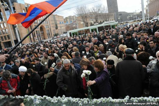Armenia -- Tribute to victims of March 1 violence in Yerevan, 01Mar2013