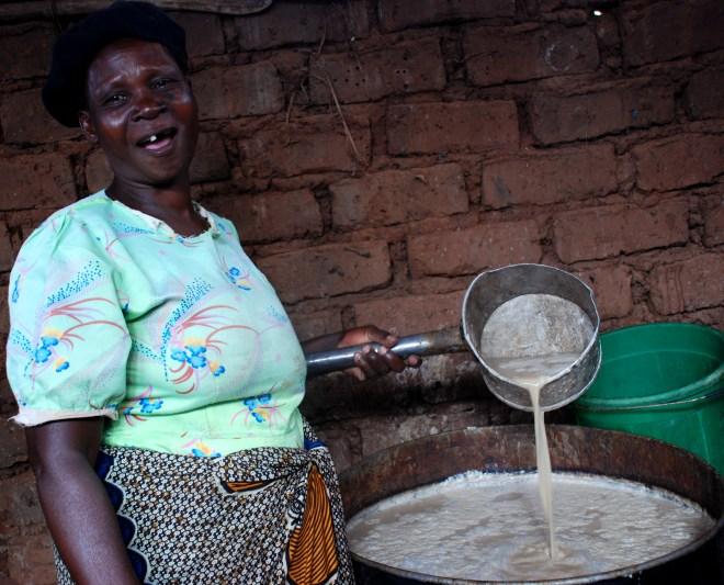 En lokal ølbrygger i Malawi