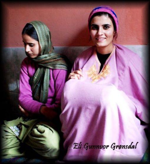 I Kashmir bodd jeg hjemme hos en familie i byen Srinagar