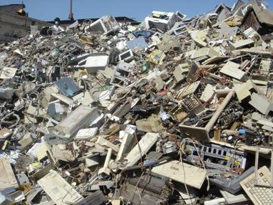 tumpukan-sampah-elektronik