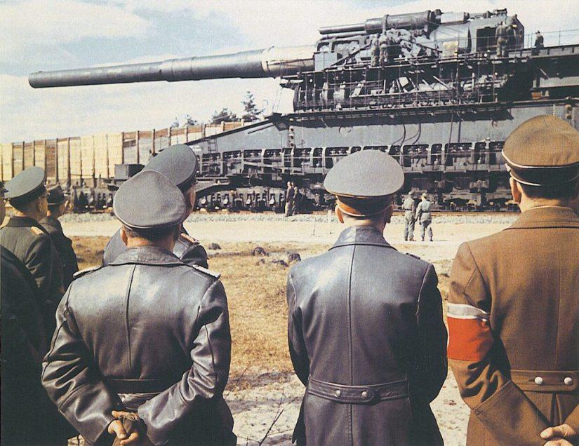 De-Tweede-Wereldoorlog-in-kleur-2.-8-80cm-GUSTAV-Railway-Gun-Schwerer-GUSTAV-Adolf-Hitler