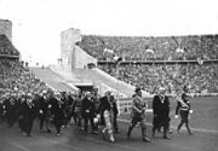 180px-Bundesarchiv_Bild_146-1976-033-17,_Berlin,_Olympische_Spiele