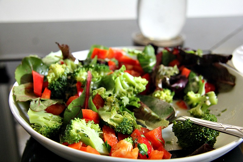 broccoli red pepper salad