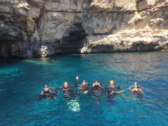 {:en}Santa Marija Caves dive site in Comino{:}{:it}Grotte Santa Marija, sito di immersione a Comino{:}