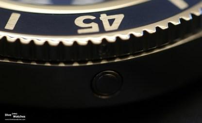 Breitling_SuperOcean_44_Blue_HE_Valve_La_Chaux_de_Fonds_2015