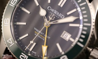 Christopher_Ward_London_C60_Tridente_GMT_42_Green_Wax_Dial
