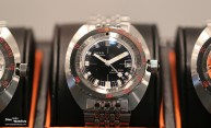 Doxa_Sub_300_Sharkhunter_Anniv_Edition_Front_Baselworld_2017