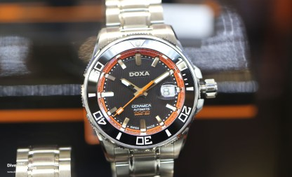Doxa_Shark_Ceramica_Black_Orange_Front_Budapest_2017