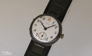 Japans erste Armbanduhr, Laurel von Seikosha (1913)