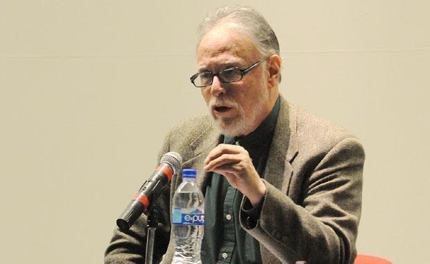 David Huerta, es autor de varios libros e hijo del también poeta Efraín Huerta, quien fue reconocido con el mismo galardón en 1976. Foto: Conaculta/Divergente.info