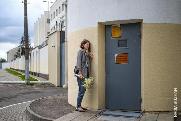 Waiting for Release at a Temporary Detention Center in Belarus | Nadia Buzhan | Spot News
