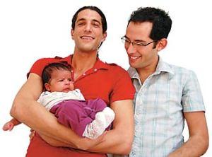 """Flavio deu entrada na justiça em um pedido de guarda definitiva dos filhos gêmeos por acreditar que """"é melhor um filho ser criado pelo pai e pelo tio do que por uma mãe solteira""""."""