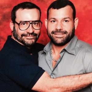 Empresário Douglas Drumond e seu noivo Luiz Antonio