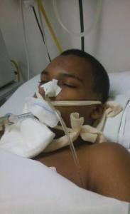 Peterson Ricardo de Oliveira, de 14 anos, foi agredido por rapazes pelo simples fato de ter como pais adotivos um casal gay