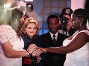 """É maravilhoso. A gente se conheceu em um show no Rio de Janeiro, da cantora Dulce María. O pedido de casamento ocorreu no Rock in Rio de 2013"""", disse Naira."""