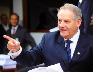 Deputado Givaldo Carimbão, o lobo na pele de cordeiro.