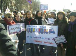 Compañeras de Sagunto durante la manifestación