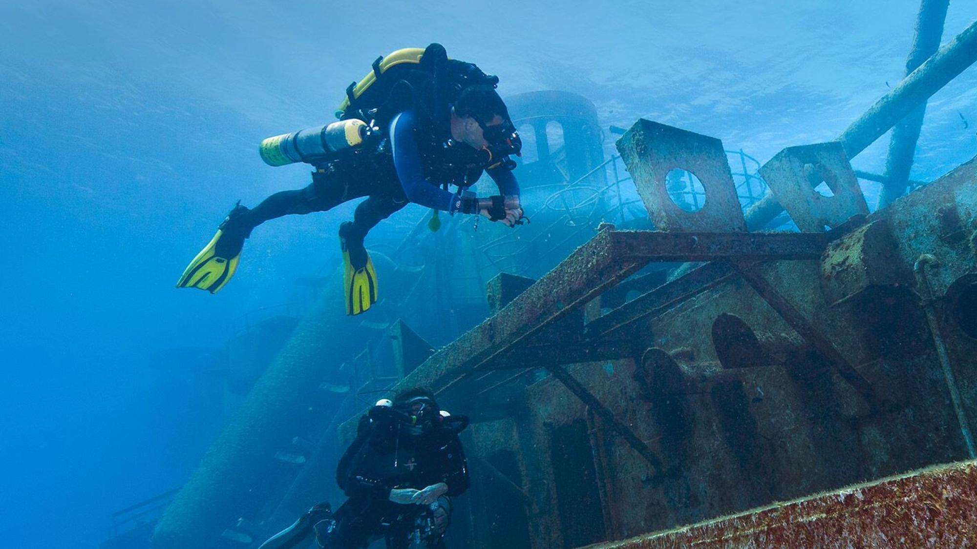 CCR Diver on wreck