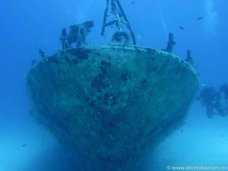 Baugen, vraktåke, dykkere, Gammelt skipsvrak