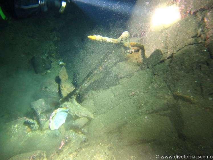 (Ledige plasser dyp dykkerkurset)