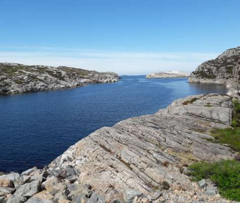 Sund, berg, himmel, (Discover Local Diving), (DAN-forsikring og tørrdraktskurs)