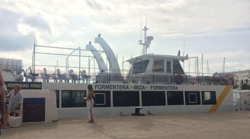 Ferry lento de Mediterránea Pitiusa