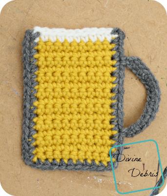 Mug of Beer free crochet applique by DivineDebris.com