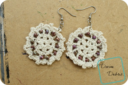 Carrie Earrings free crochet pattern by DivineDebris.com