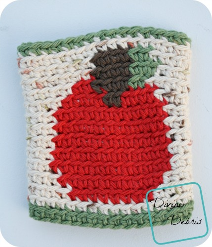 Learn to make an Apple Mug Cozy from a free crochet pattern by DivineDebris.com