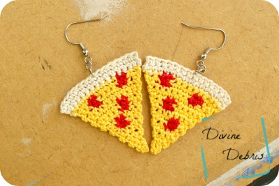 Pizza Earrings and Applique crochet patterns by DivineDebris.com