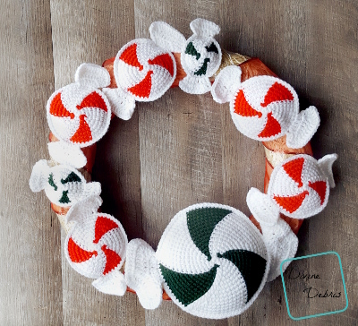 Peppermint Candies Wreath crochet pattern by DivineDebris.com