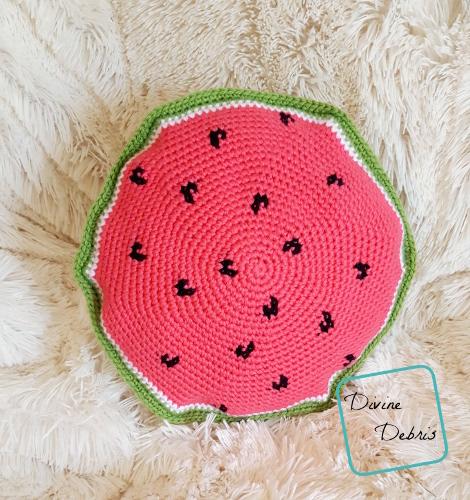 Watermelon Pillow free crochet pattern by Divinedebris.com