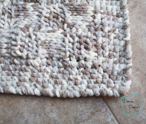 The Ellie Baby Blanket free crochet pattern by DivineDebris.com