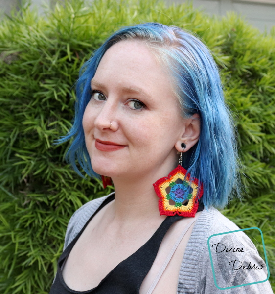 Learn how to make rainbow mini mandal crochet earrings from a free pattern by DivineDebris.com