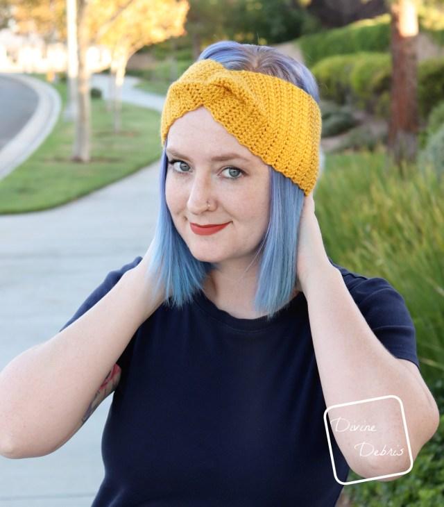 Simple Twist Headband crochet pattern by Divine Debris